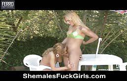 Massaggio erotico con puttana chiavata