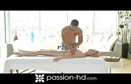 Porno xxx con la gran zoccola eccitata